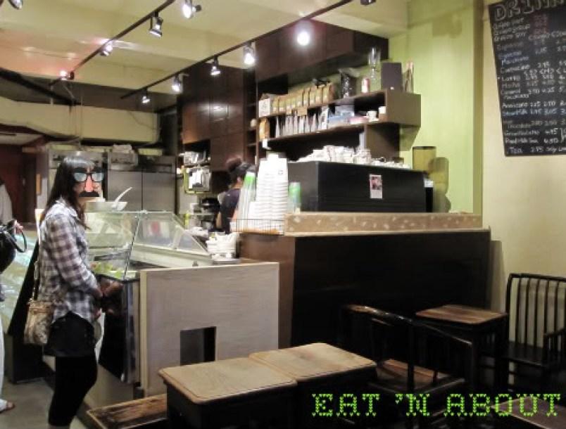 Chicco Cafe: interior