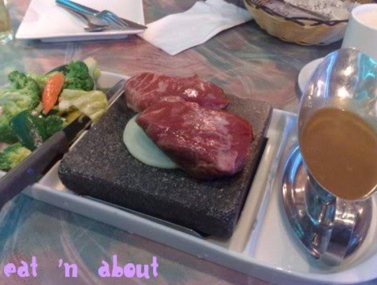 Boston Steakhouse: Beef Tenderloin on hot stone plate