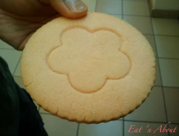 Manzano European Bakery: Strawberry Shortbread Cookie