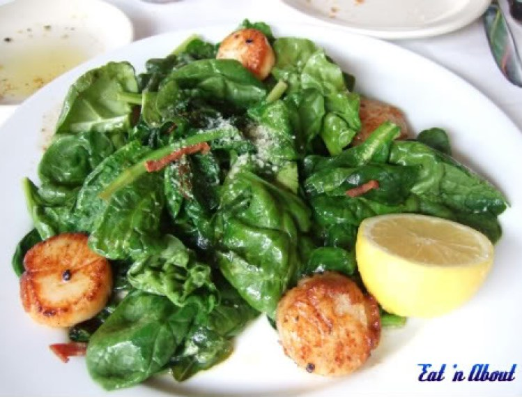 Romano's Macaroni Grill: Scallops & Spinach Salad