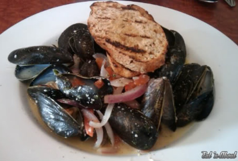 The American Grille: Steamed Mussels