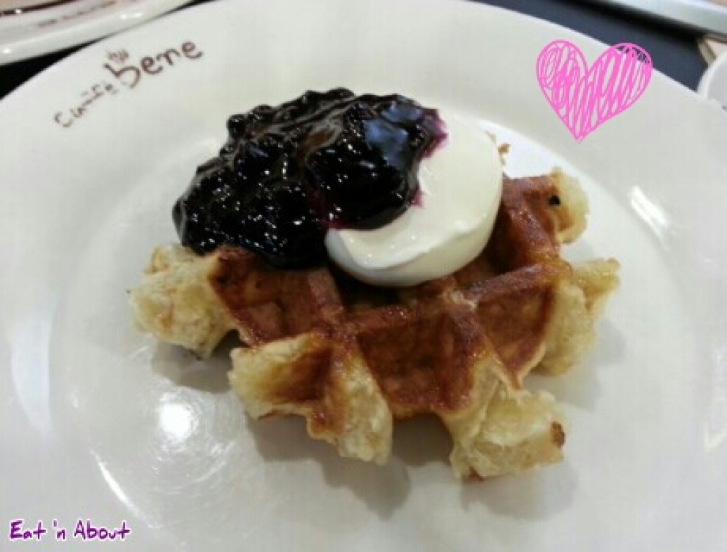 Caffe bene in Myeongdong, Seoul Korea: Blueberry cream cheese waffle