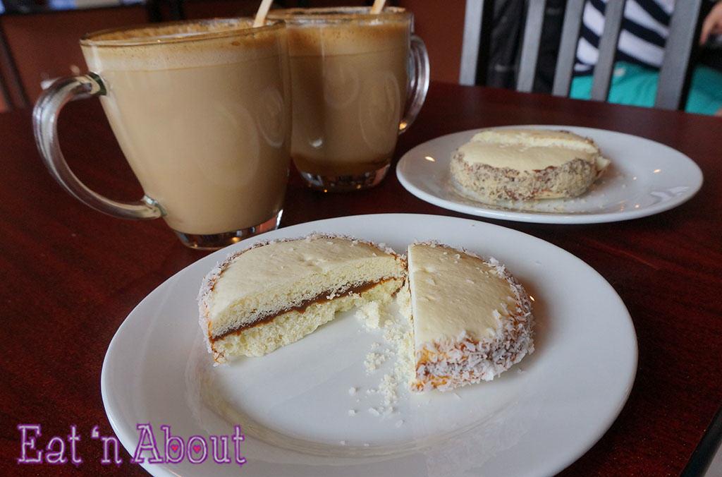 Saltenas Cafe and Pastries - Dulce de Leche alfajor cookie