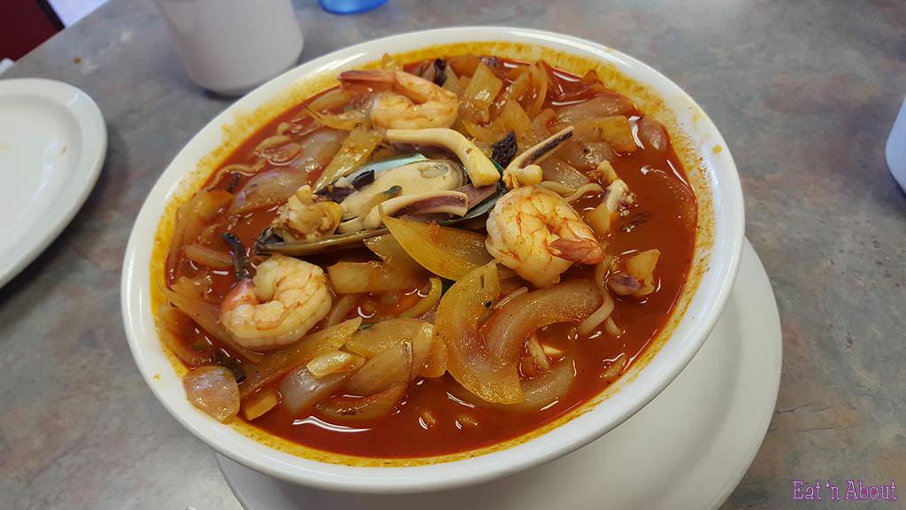 Sahm Gook Jih Palace Noodles in Spicy Soup