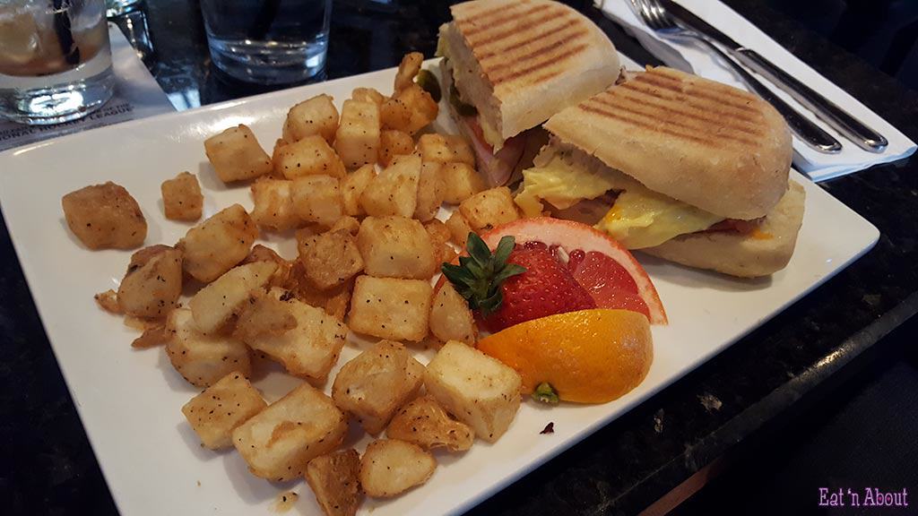 John B. Pub - Breakfast Sandwich