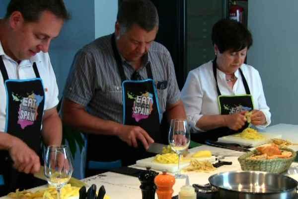 cooking class paella tortilla de patatas