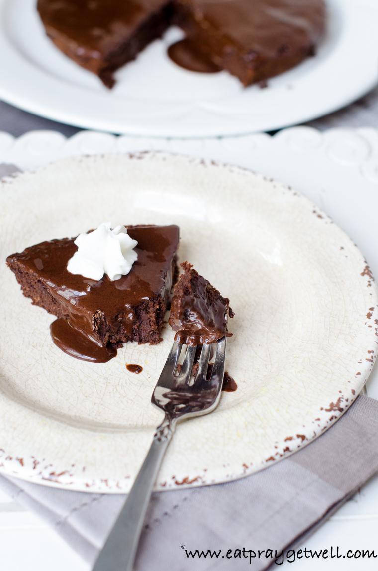 Superb A Chocolate Avocado Birthday Cake Funny Birthday Cards Online Hendilapandamsfinfo