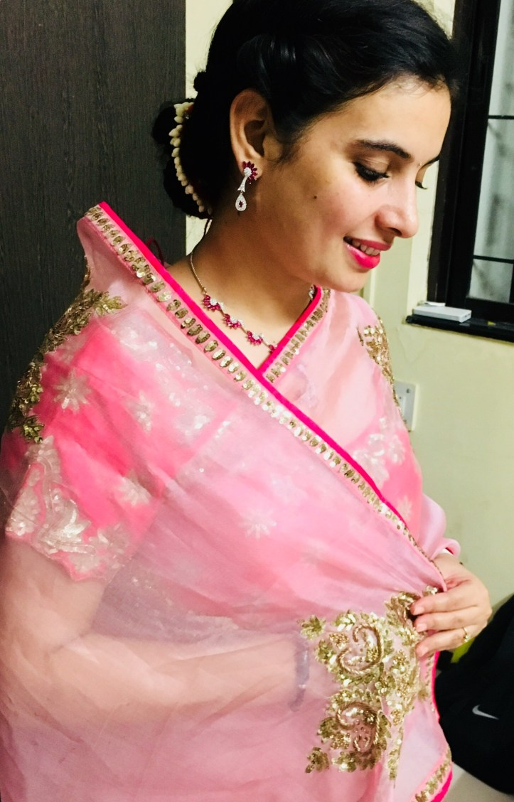 How To Pose In Traditional Indian Wear Eat Travel Fun By Mansi Oza Lighting flaws can ruin your selfie. how to pose in traditional indian wear