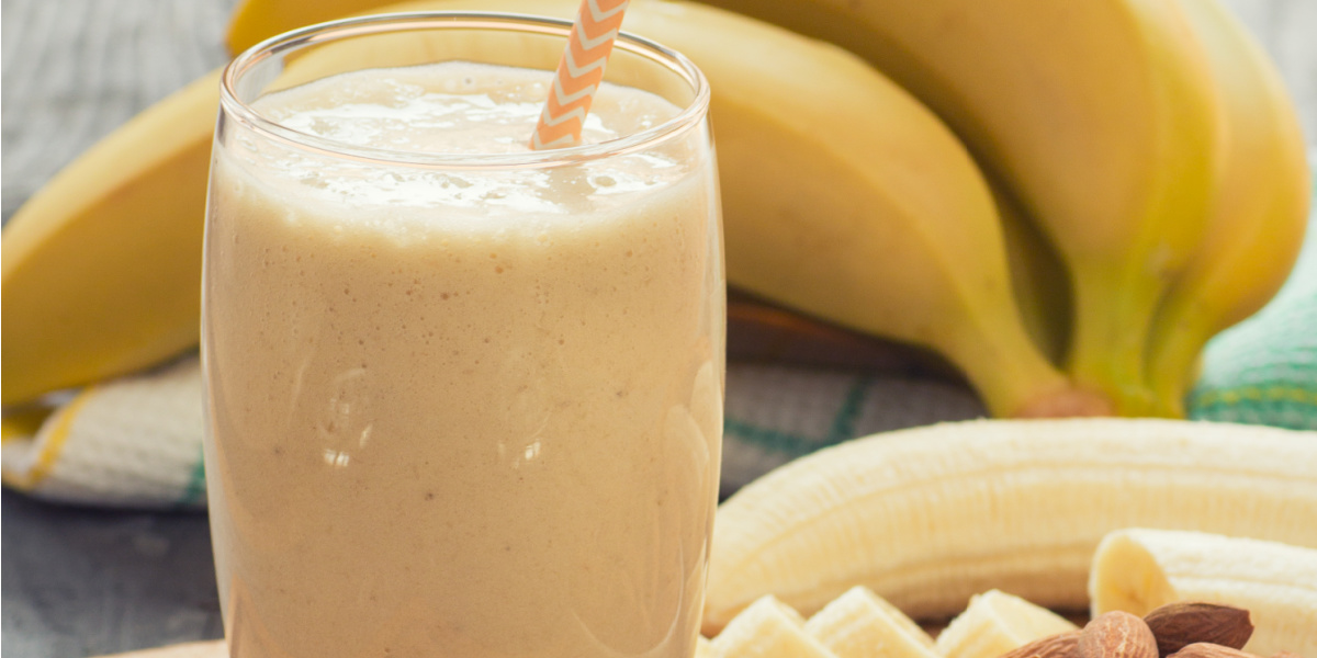 HIGH FIBER BANANA ALMOND SMOOTHIE