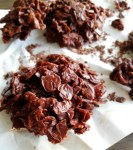 closeup-of-chocolate-cornflakes-cookies-done