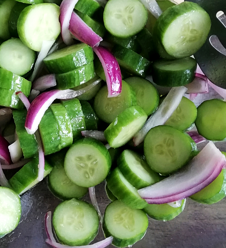 5 Minute Cucumber Salad