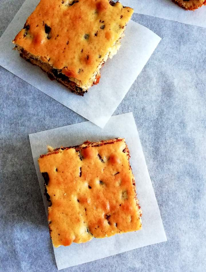 chocolate chip cookie cake slices
