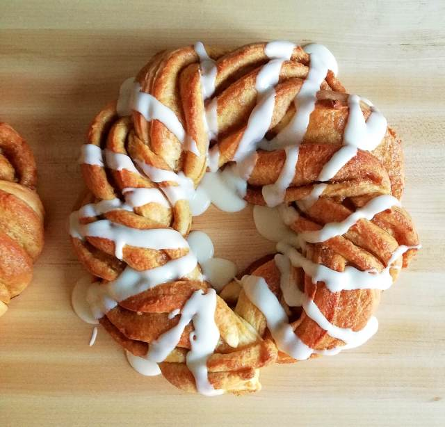 cinnamon swirl wreath bread iced