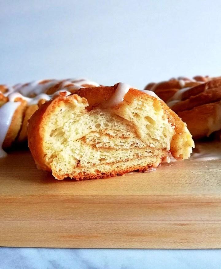 cinnamon swirl wreath bread inside view