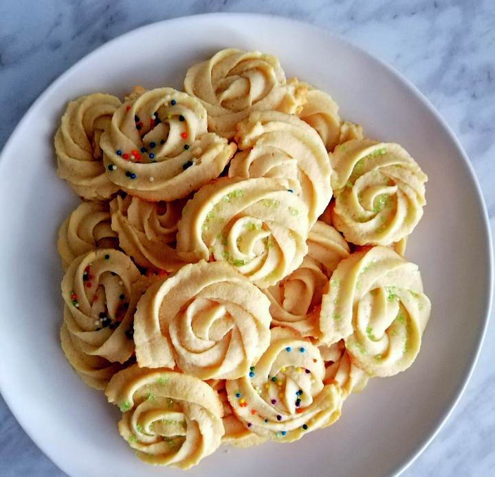 danish butter cookies plated