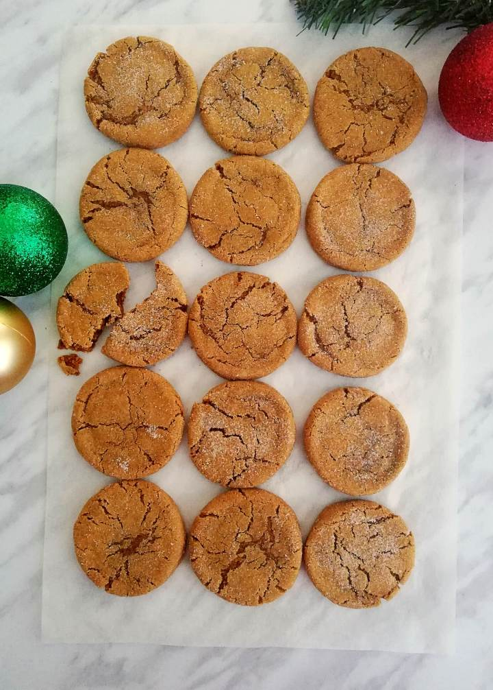 molasses cookies overhead (2)