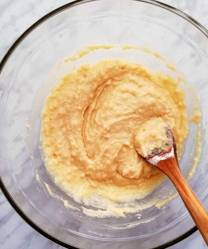 sour cream vanilla cupcake batter