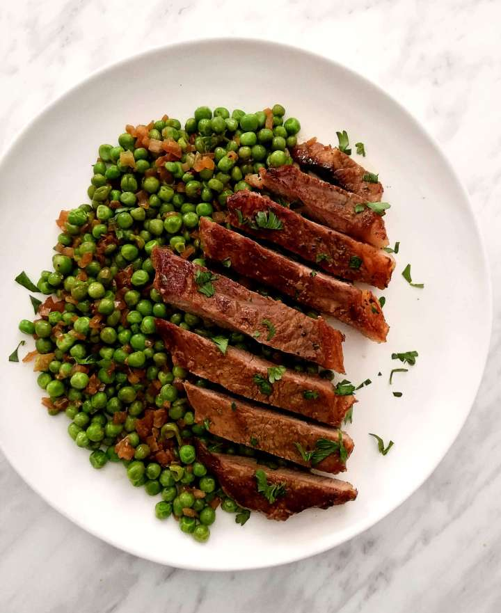 steak and peas overhead without potatoes