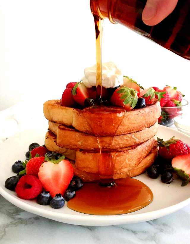 French toast pouring maple syrup on top (1)