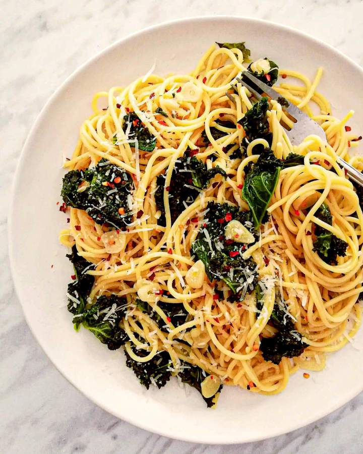 spicy-kale-pasta-overhead-close-up (2)