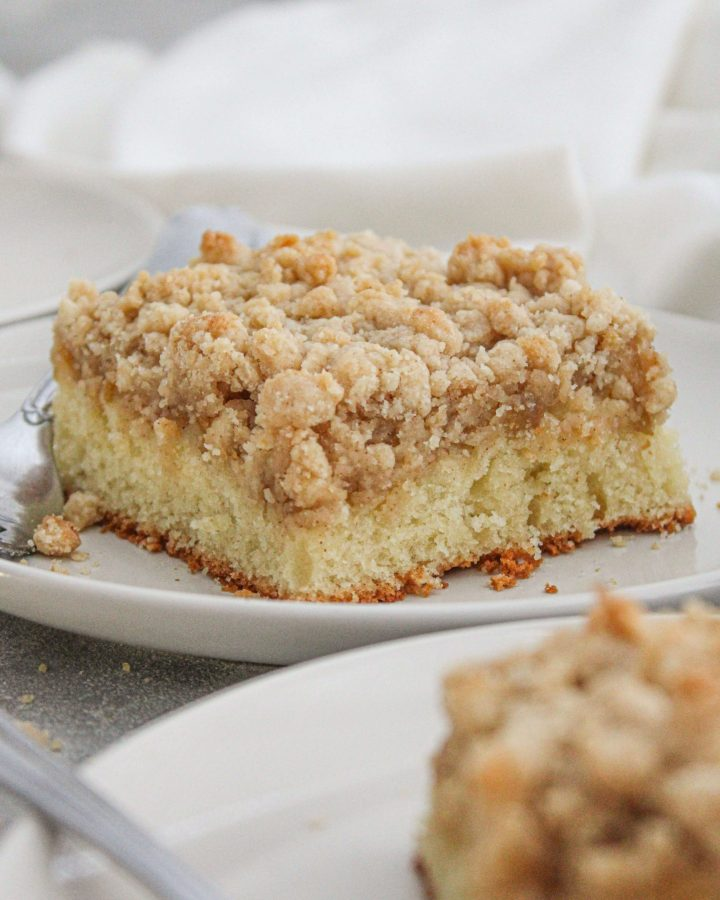apple cake slice in plate close up