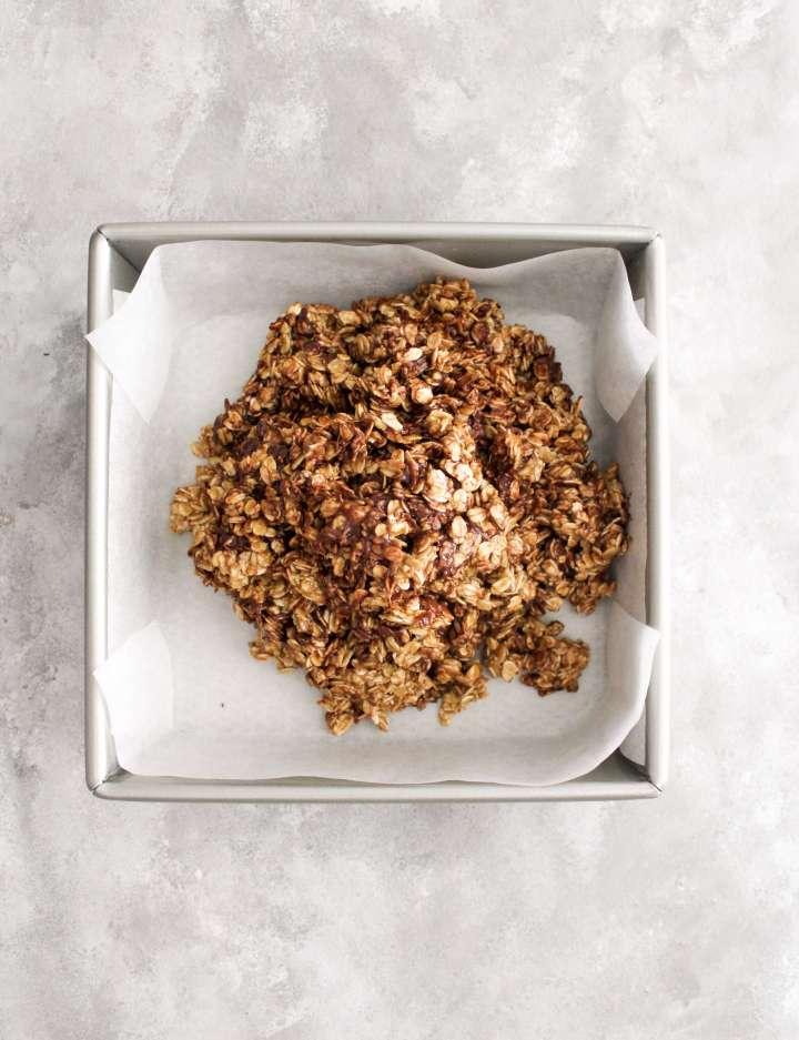 chocolate chip oat bars (13)