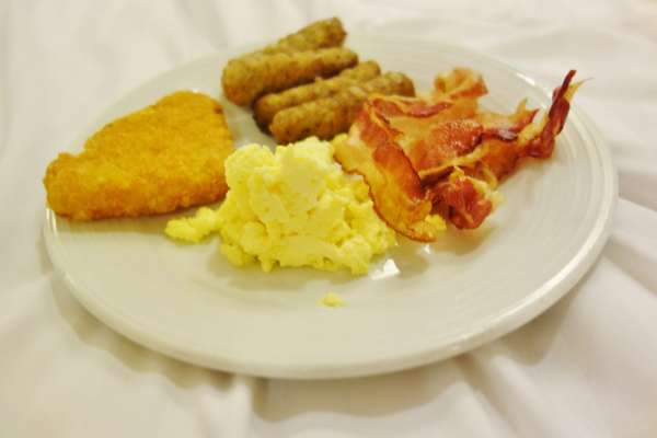 Room Service 1 Enchantment of the Seas Review