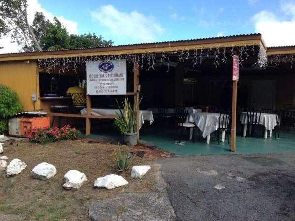 brooks bar and restaurant
