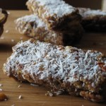 Spiced Fig Bars | Cardamom spiced fig bars are a great paleo snack to make ahead and pack up with your lunch. | eatsomethingdelicious.com