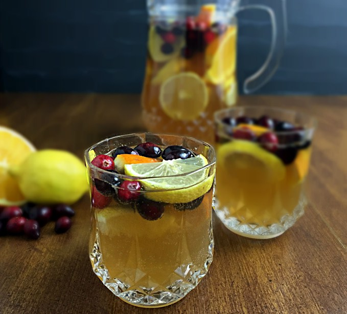 Super Bowl Potluck - Sugar Free Sangria | A Slice of Ky and I are getting together for a potluck and sharing our best Super Bowl recipes - online, of course! | eatsomethingdelicious.com