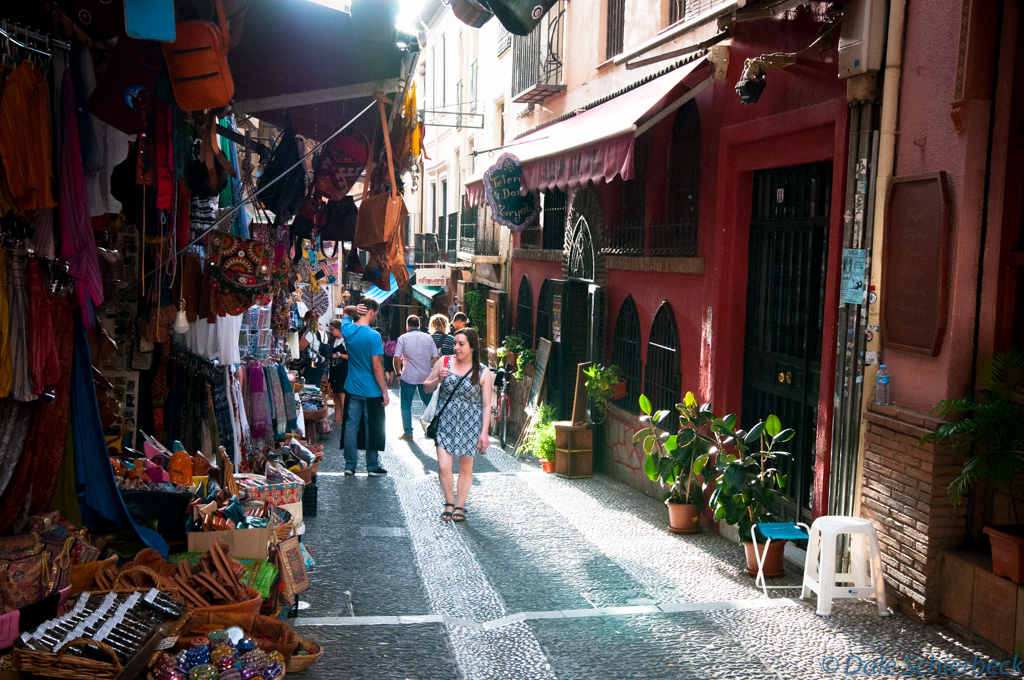 Up streets of Albaicin - market