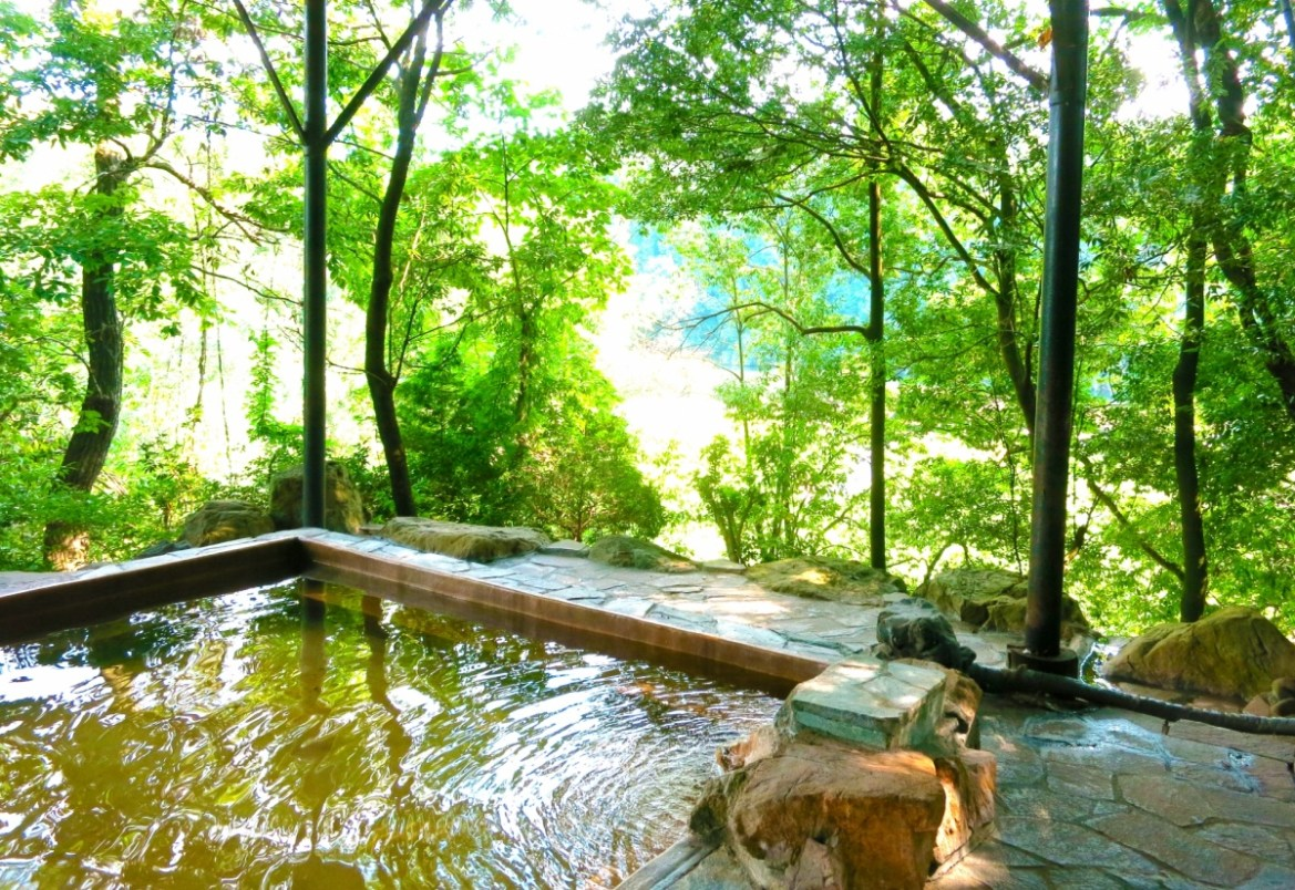 Japanese Onsen: 7 Tips For First Timers