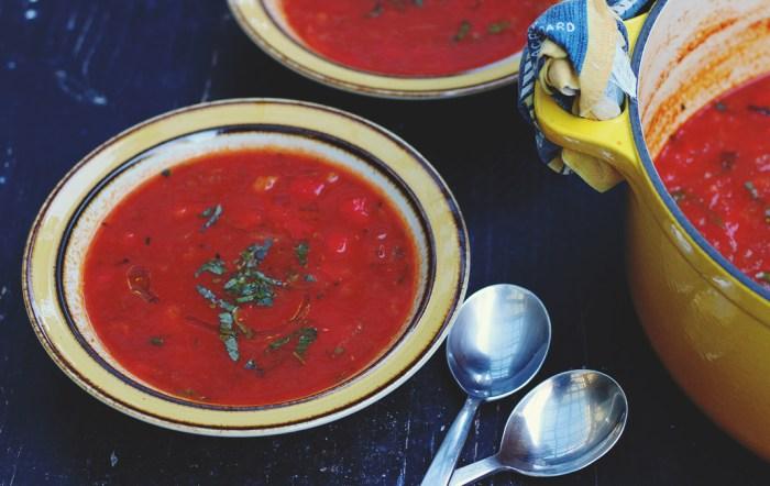tomato quinoa soup bowl