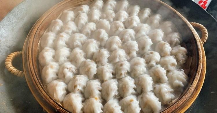 台南肉圓美食|茂雄蝦仁肉圓跟一般炸肉圓不一樣,口感更接近飲茶的蝦餃。