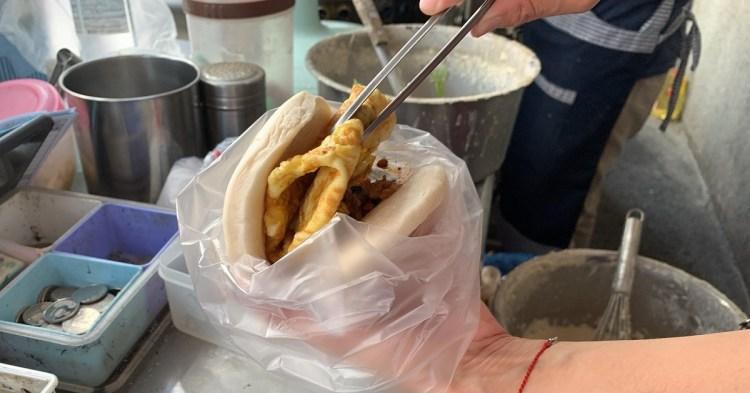 阿美麵糊蛋餅 國安街早餐現點現煎的傳統蛋餅!台南早餐人氣蛋餅!