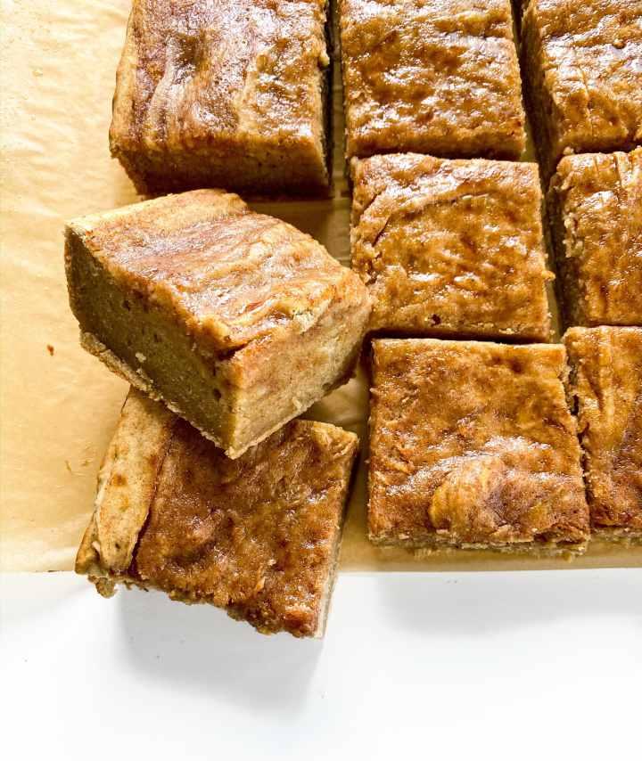 Honey Cinnamon Swirl Banana Bread Cake 1