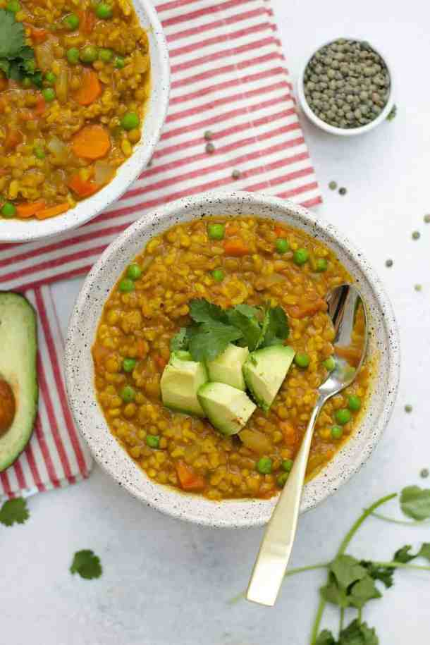 This brown rice and lentil soup is perfect for meal prep!