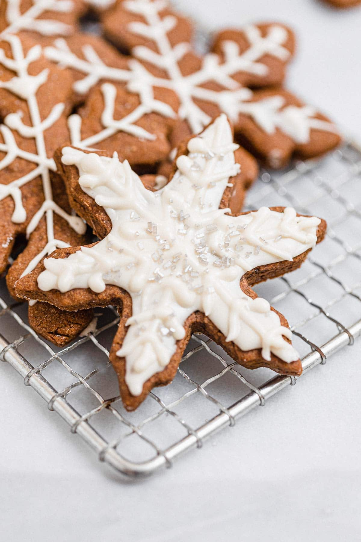 gingerbread snowflake with icing on top