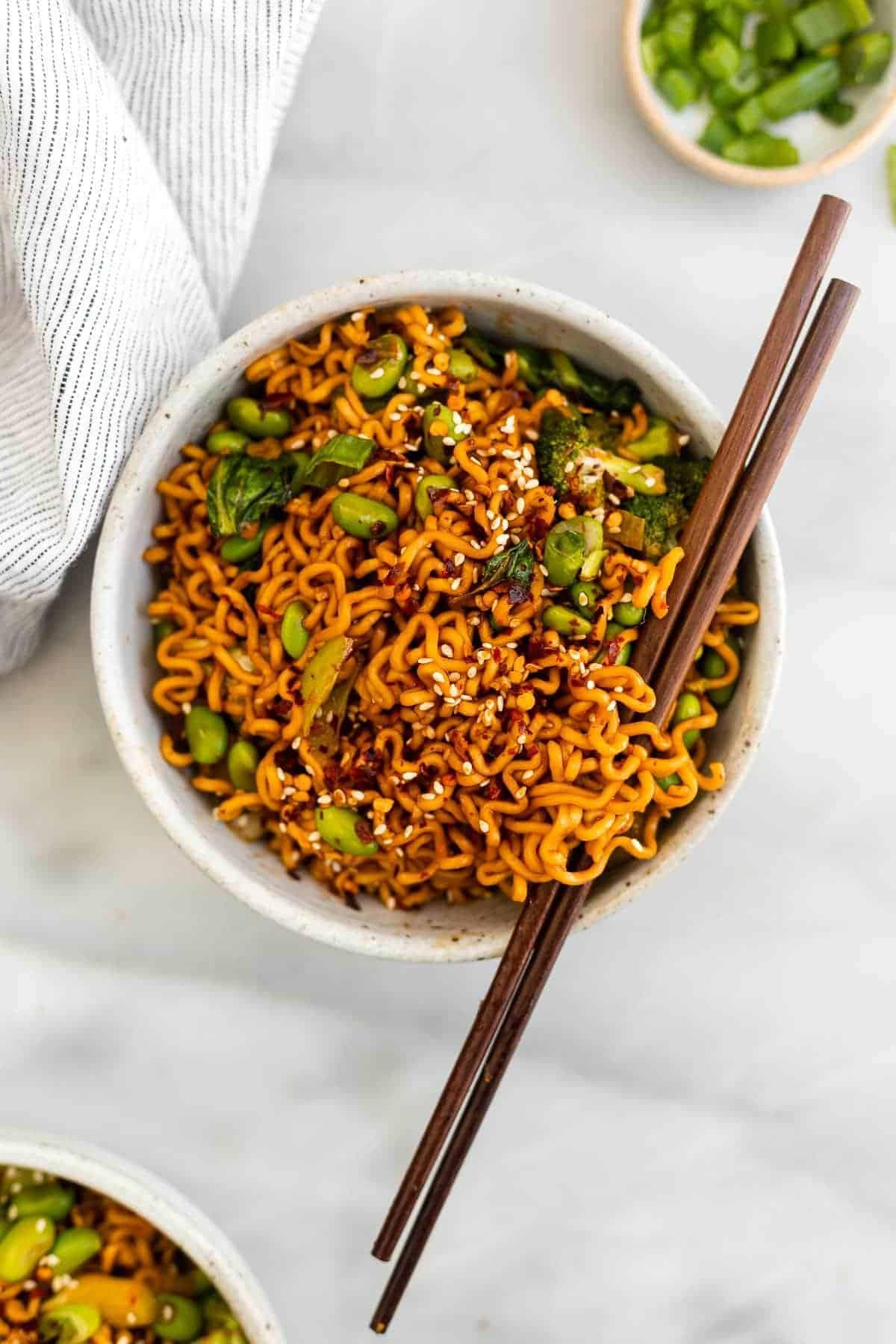 ramen noodle stir fry with edamame