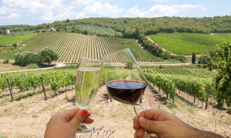 With countless winery options during a visit to Tuscany, don't miss these spots for the best wine & food during your next trip to Italy | www.eatworktravel.com - The luxury, adventure couple!