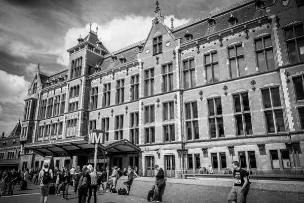 Ideas for a Layover in Amsterdam | www.eatworktravel.com