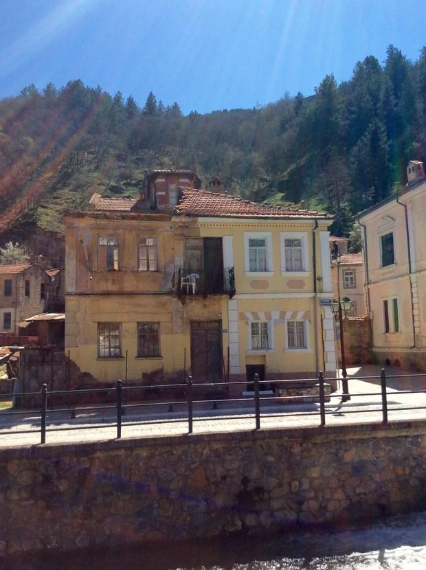 Florina building