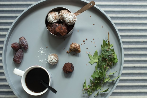 dates and peanut butter energy balls
