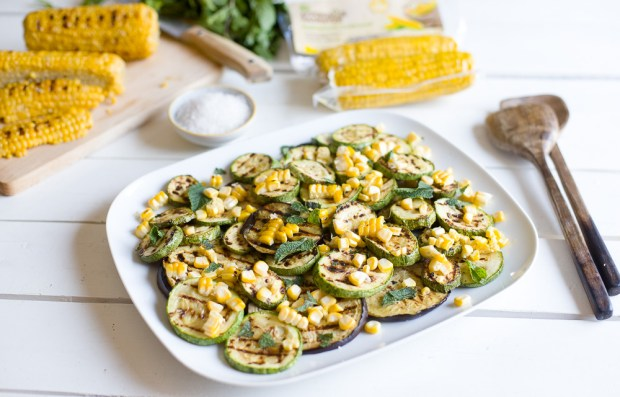 Roast corn salad @eatyourselfgreek