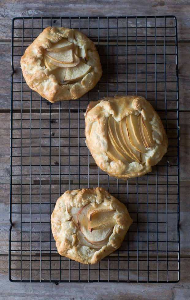 quince and apple galettes @eatyourselfgreek