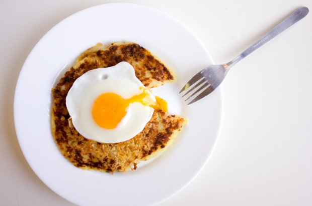 rosti with sunny side up egg