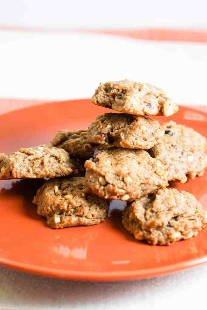Elvis Cookies Recipe - a healthy, clean 4 ingredient cookie recipe inspired by Elvis Presley's favorite sandwich. Peanut butter, bacon, banana and honey = quick, easy, healthy, fun.