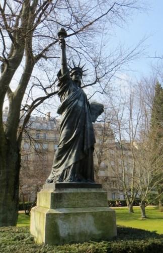 Statue de la Liberté Luxemboug Paris