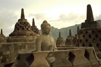 borobudur-statue