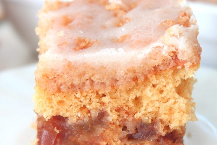 Apple crumb cake